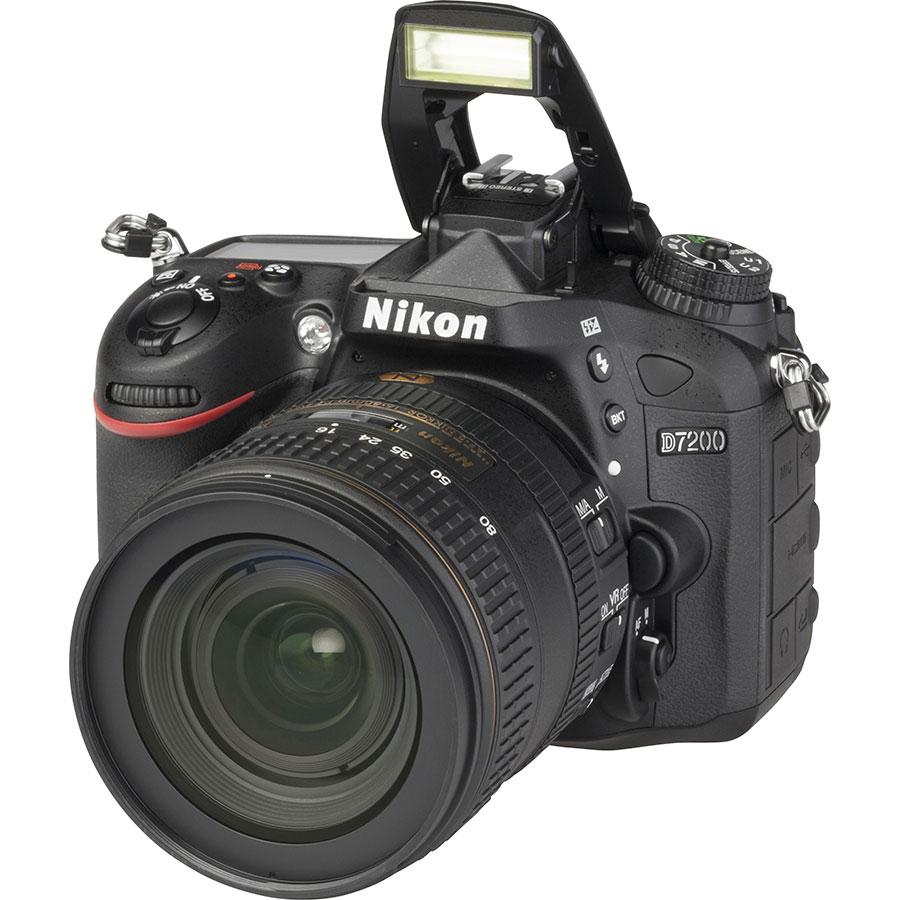 Nikon D7200 + AF-S DX Nikkor 16-80 mm E ED VR - Vue principale
