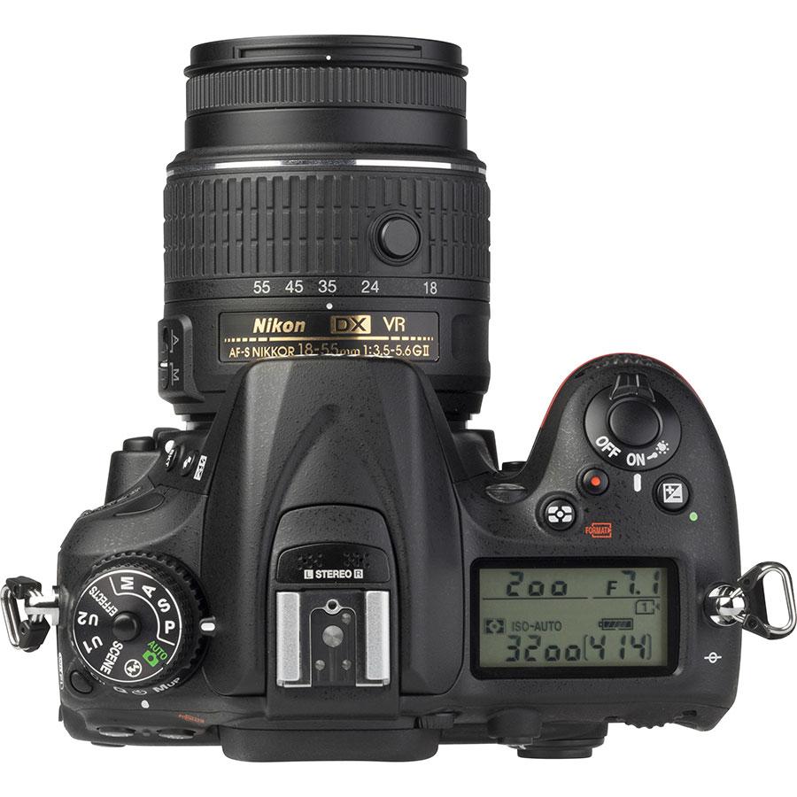 Nikon D7200 + AF-S DX Nikkor 18-55 mm G VR II - Vue du dessus