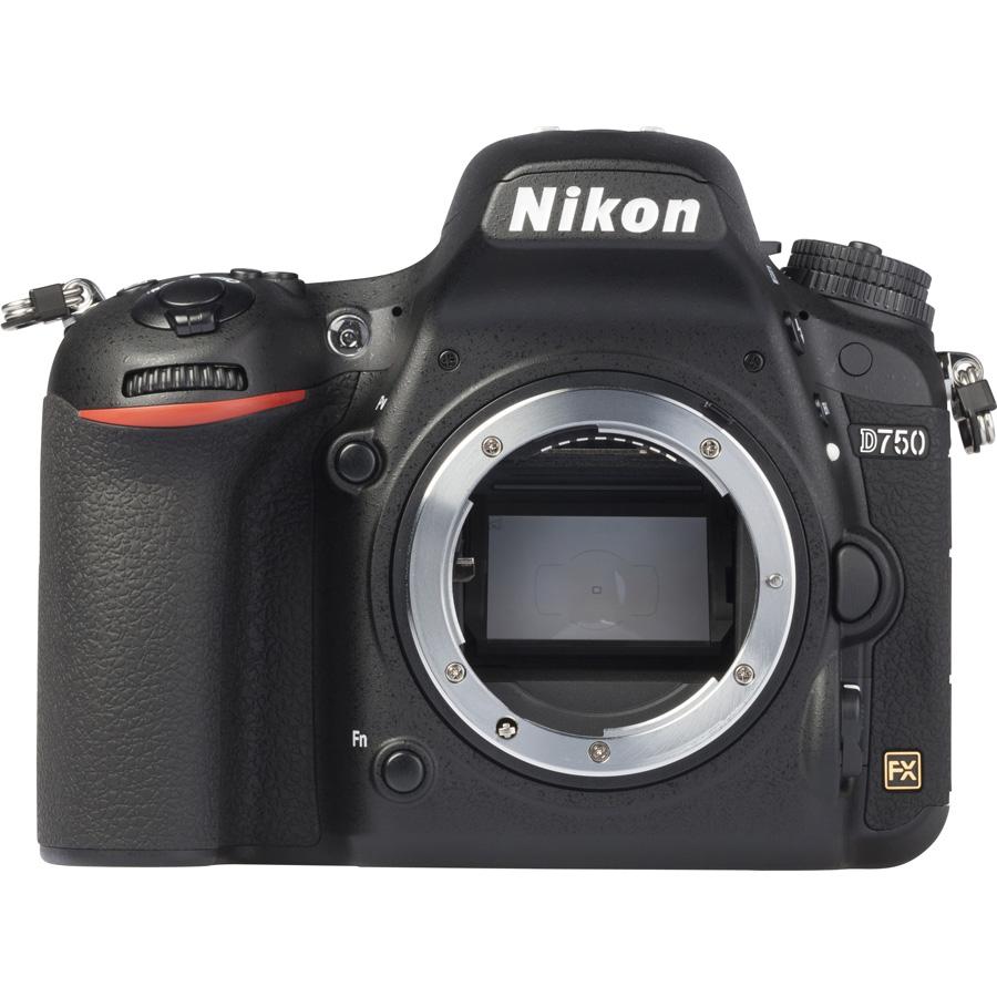 Nikon D750 + AF-S Nikkor 24-120 mm G ED VR - Vue de face sans objectif