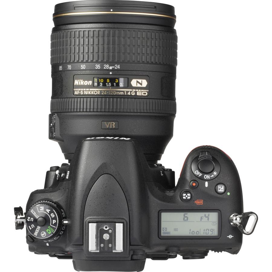 Nikon D750 + AF-S Nikkor 24-120 mm G ED VR - Vue du dessus