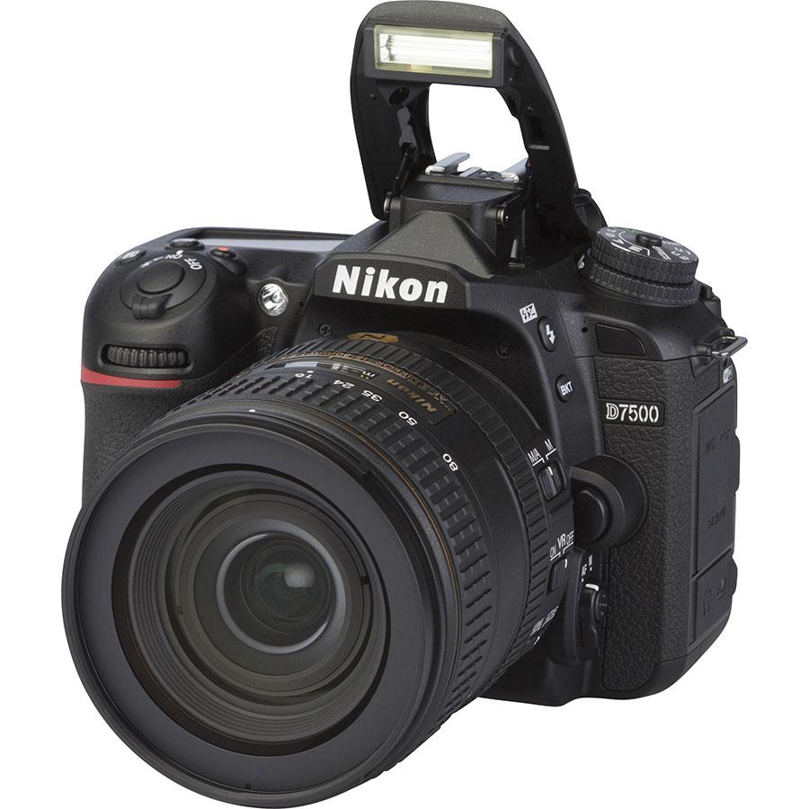 Nikon D7500 + AF-S DX Nikkor 16–80 mm E ED VR - Vue principale