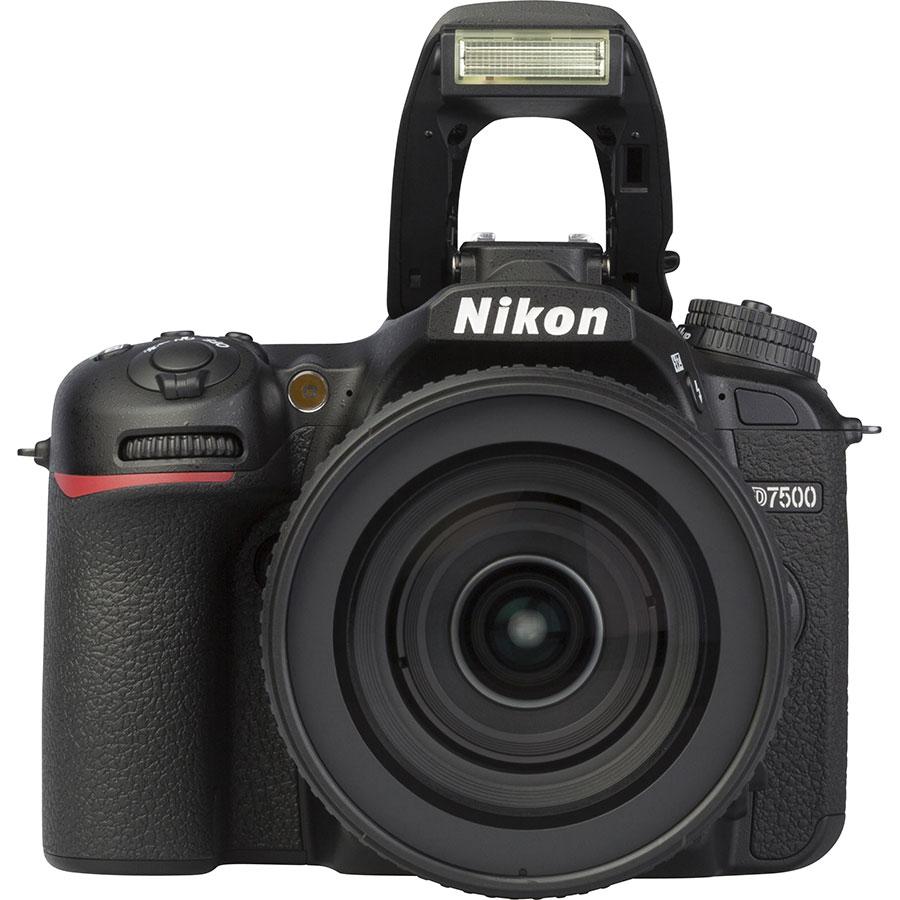 Nikon D7500 + AF-S DX Nikkor 16–80 mm E ED VR - Vue de face