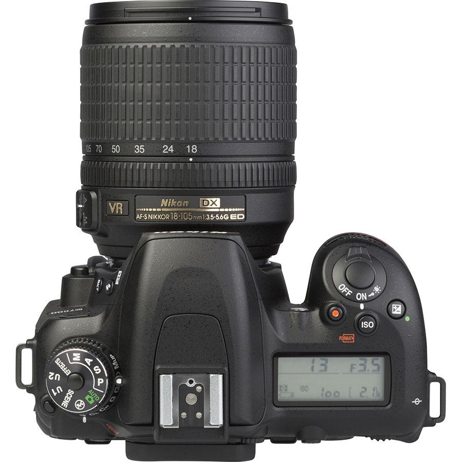 Nikon D7500 + AF-S DX Nikkor 18-105 mm G ED VR - Vue du dessus