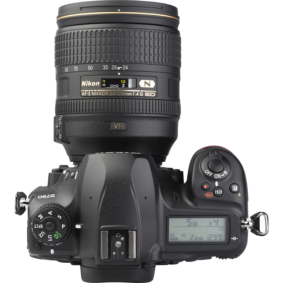 Nikon D780 + AF-S Nikkor 24-120 mm G ED VR - Vue de dessus