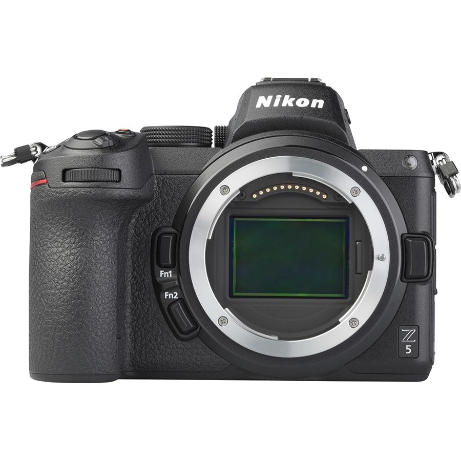 Nikon Z5 + Nikkor Z 24-50 mm - Vue de face sans objectif