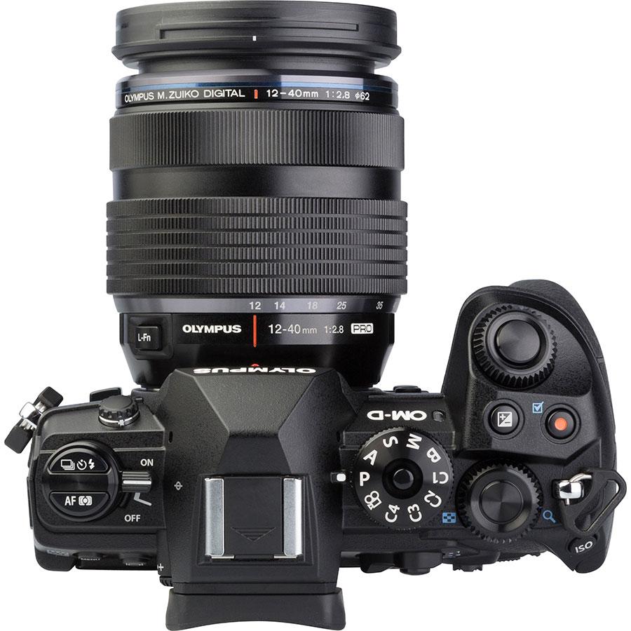 Olympus OM-D E-M1 Mark III + M.Zuiko Digital ED 12-40 mm Pro - Vue du dessus