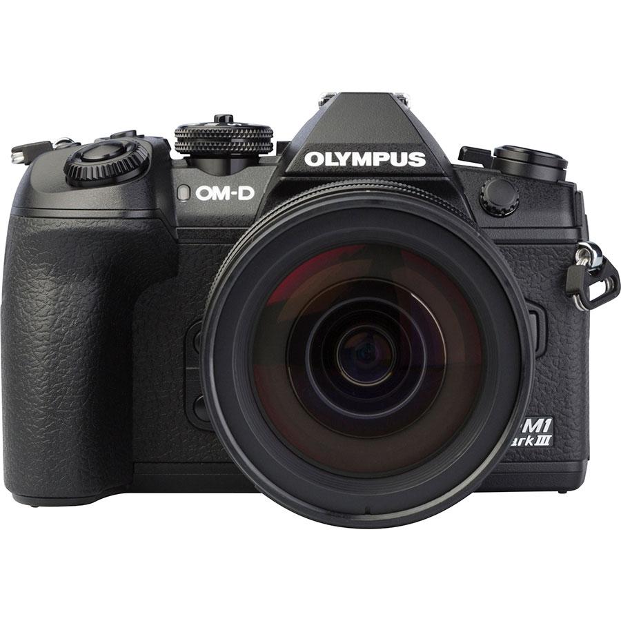 Olympus OM-D E-M1 Mark III + M.Zuiko Digital ED 12-40 mm Pro - Vue de face
