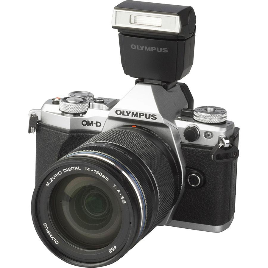 Olympus OM-D E-M5 Mark II + M. Zuiko Digital 14-150 mm II ED MSC - Vue principale