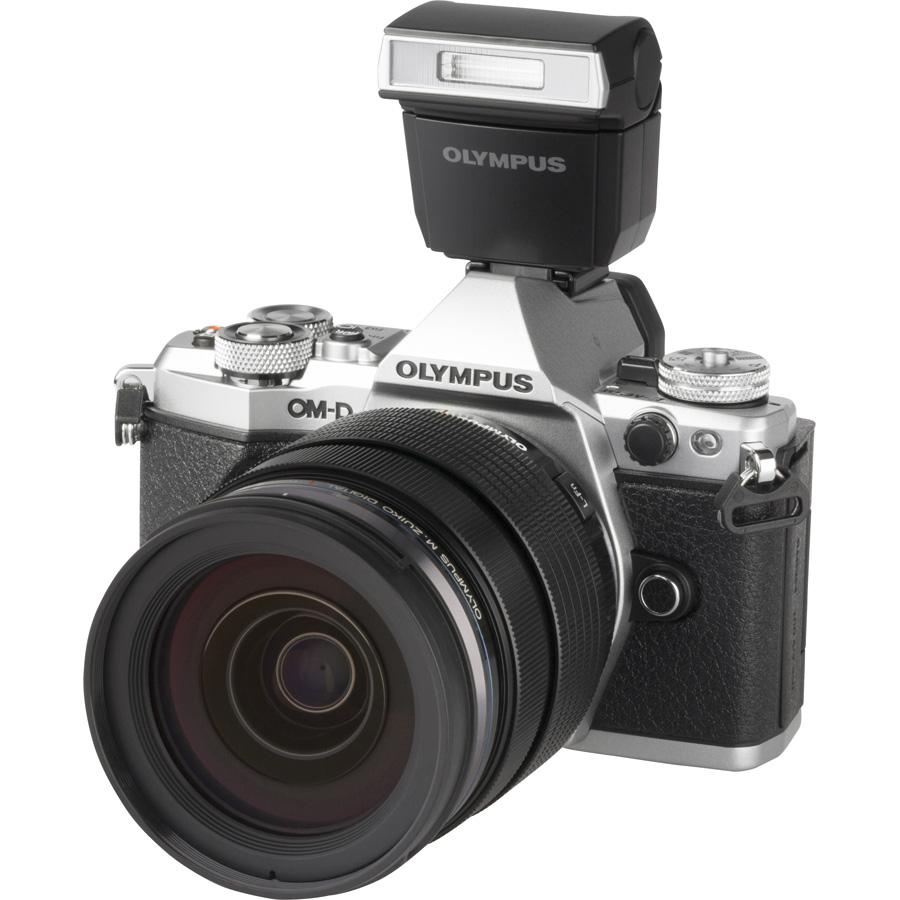 Olympus OM-D E-M5 Mark II + M. Zuiko Digital ED 12-40 mm PRO - Vue principale