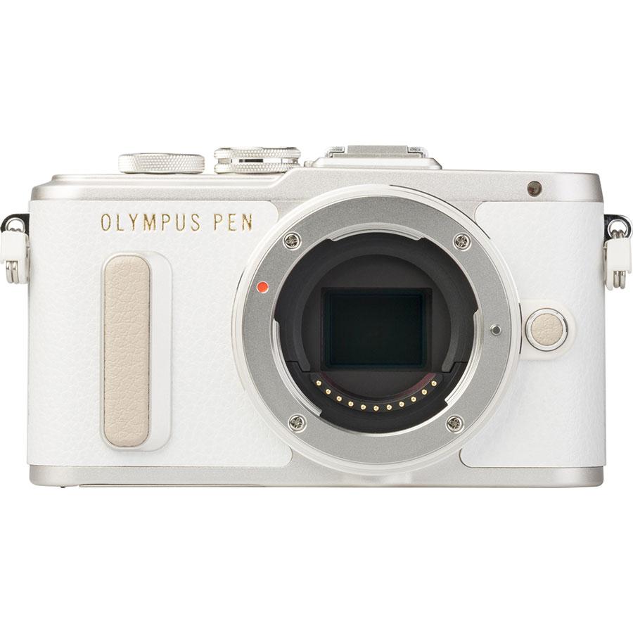 Olympus Pen E-PL8 + M. Zuiko Digital ED 14‑42 mm EZ - Vue de face sans objectif