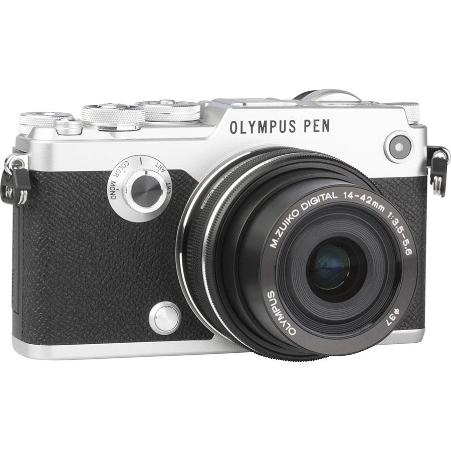 Olympus Pen-F + M. Zuiko Digital 14-42 mm EZ ED MSC - Vue de 3/4 vers la droite