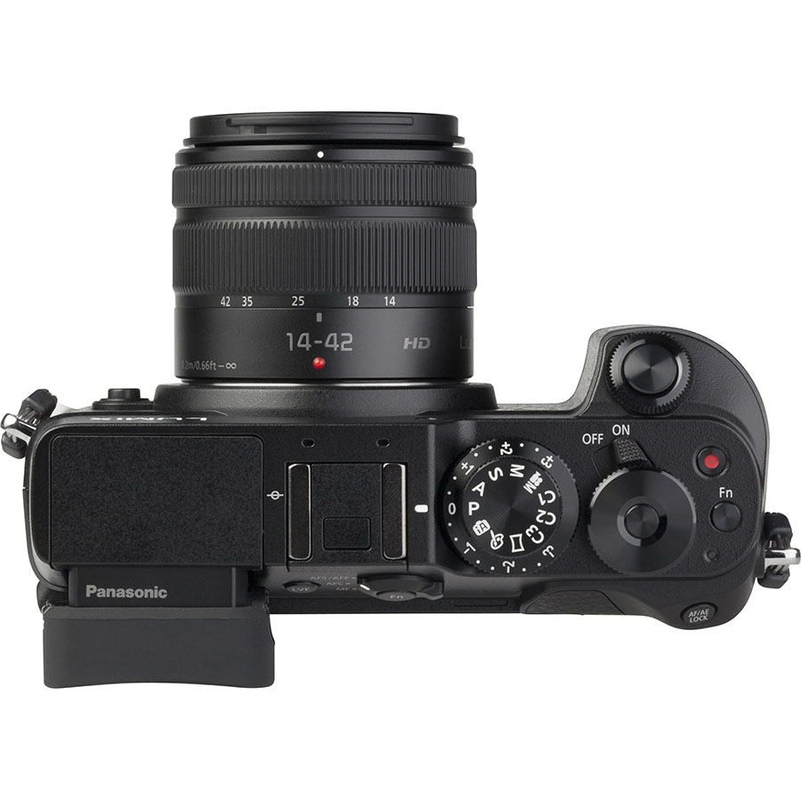 Panasonic Lumix DMC-GX8 + Lumix G Vario 14-42 mm II OIS - Vue du dessus