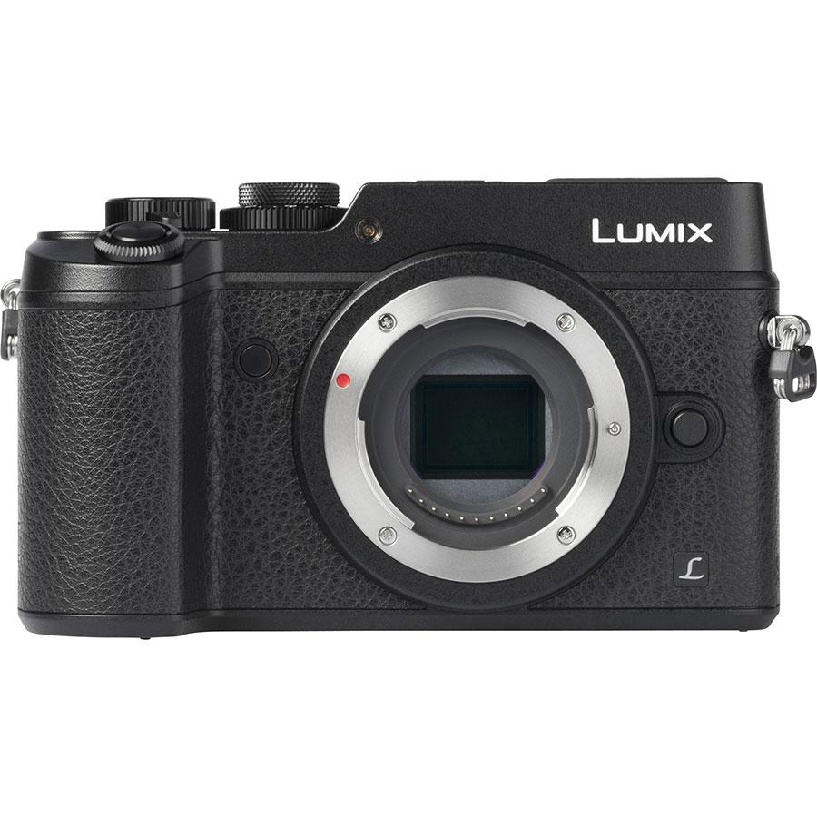 Panasonic Lumix DMC-GX8 + Lumix G Vario 14-42 mm II OIS - Vue de face sans objectif