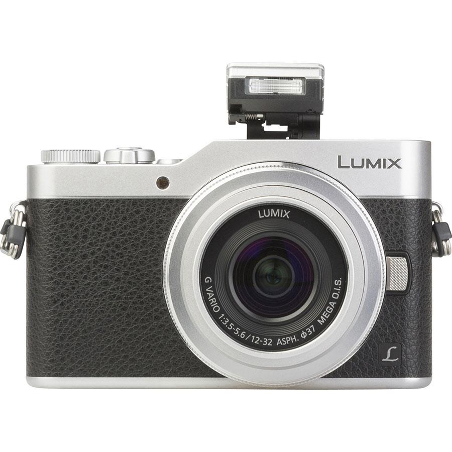 Panasonic Lumix DC-GX800 + Lumix G Vario 12-32 mm Mega OIS - Vue de face