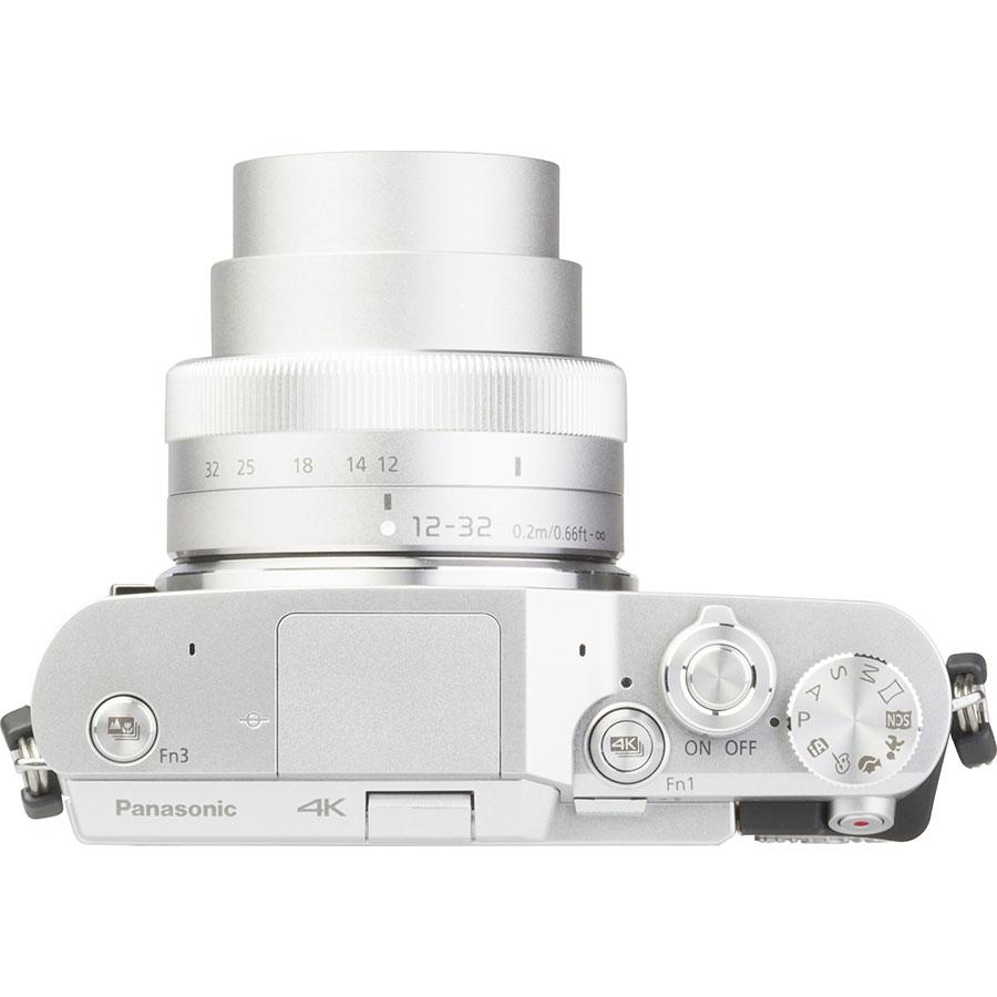 Panasonic Lumix DC-GX800 + Lumix G Vario 12-32 mm Mega OIS - Vue du dessus