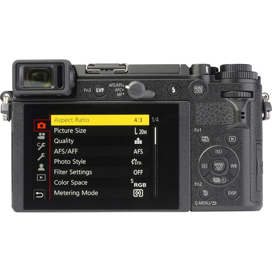 Panasonic Lumix DC-GX9 + Lumix G Vario 12-32 mm Mega OIS - Vue de dos