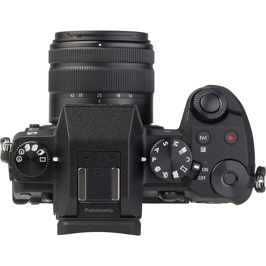Panasonic Lumix DMC-G7 + Lumix G Vario 14-42 mm II OIS - Vue du dessus