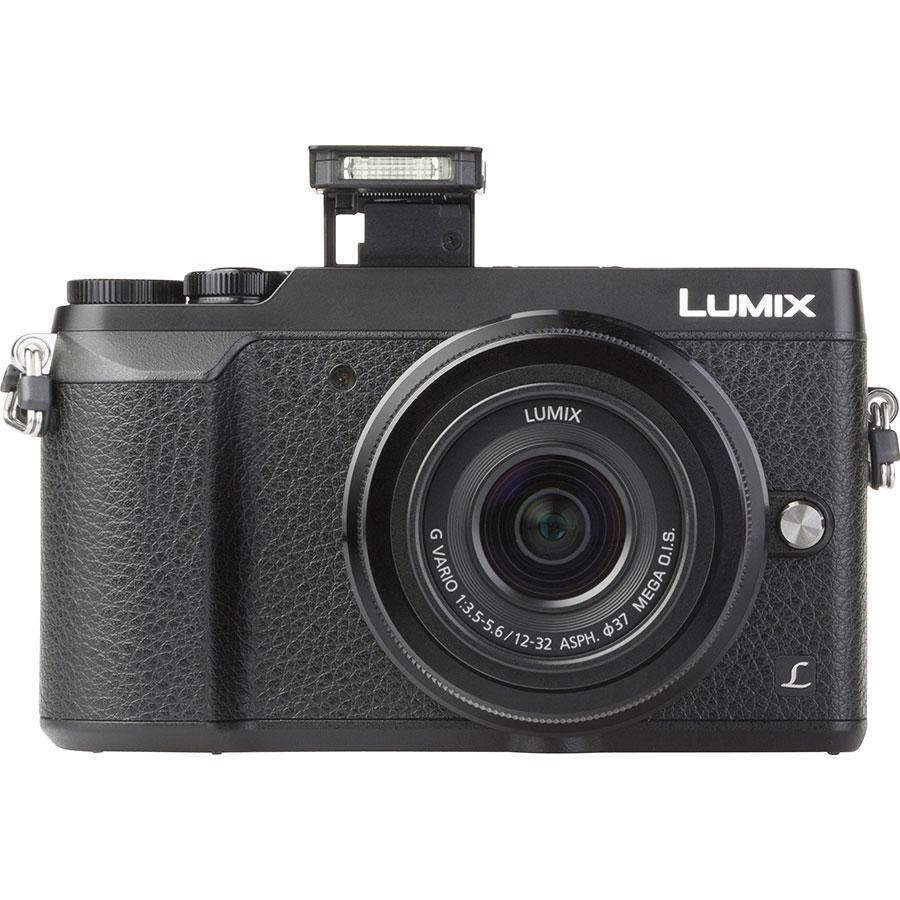 Panasonic Lumix DMC-GX80 + Lumix G Vario 12-32 mm Mega OIS - Vue de face