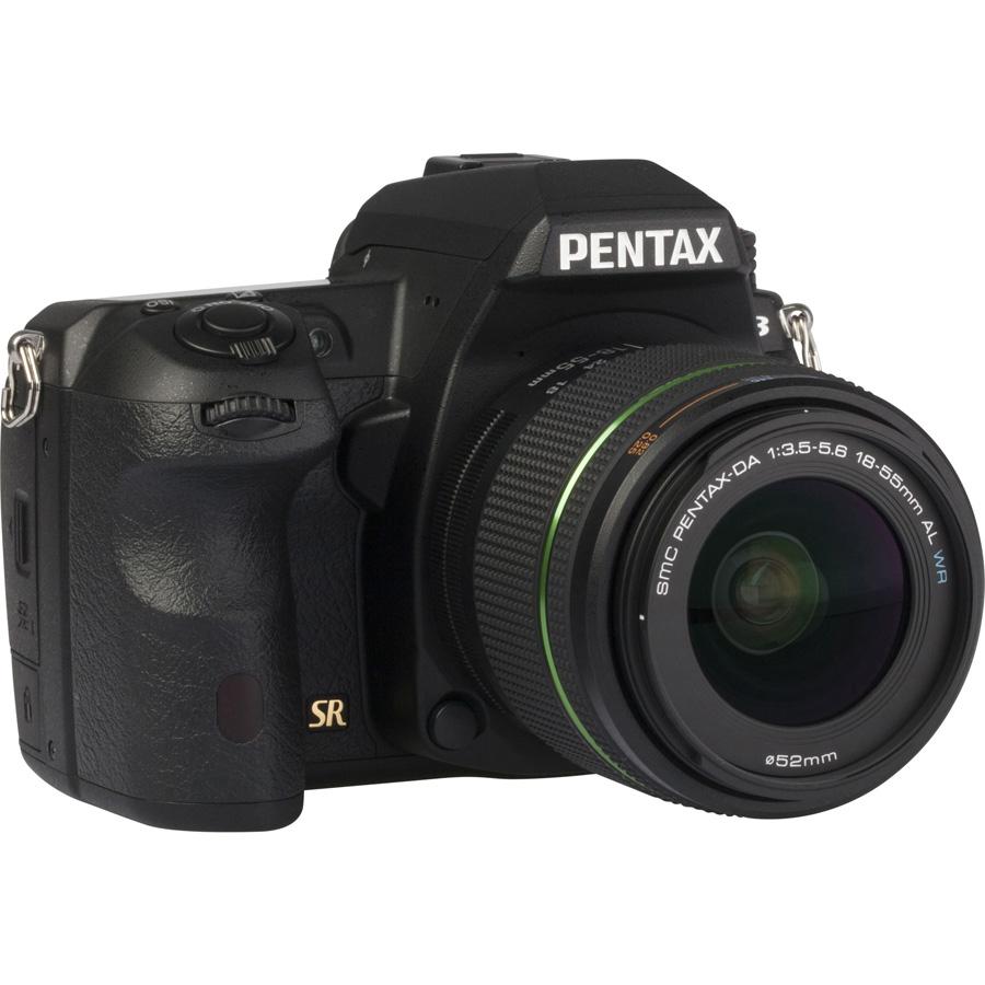 Pentax K-3 + SMC-DA 18-55 mm AL WR - Vue de 3/4 vers la droite