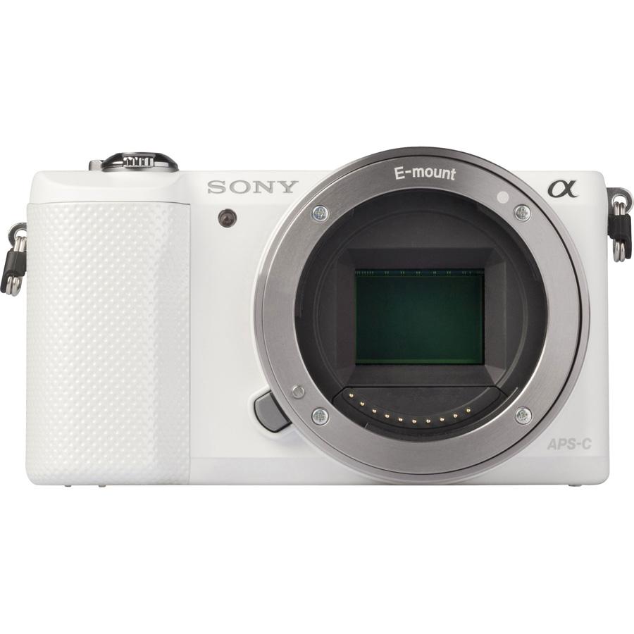 Sony ILCE-5000 + 16-50 mm SELP1650 - Vue de 3/4 vers la droite