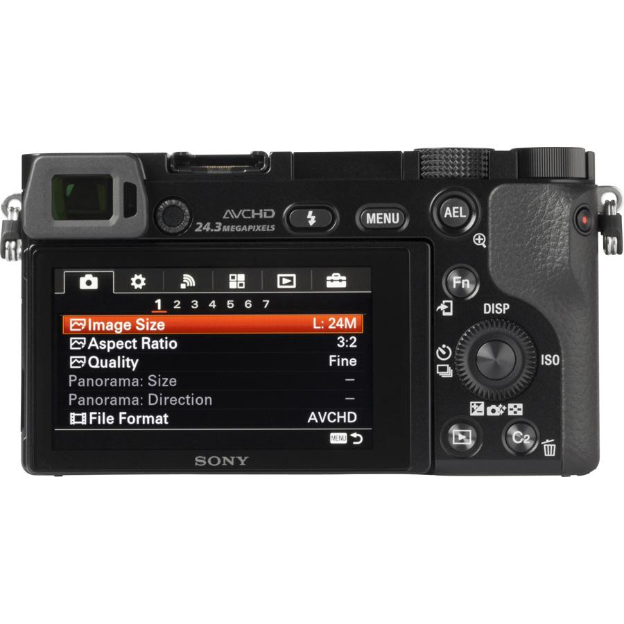 Sony ILCE-6000 + 16-70 mm SELP1670Z - Vue de face sans objectif