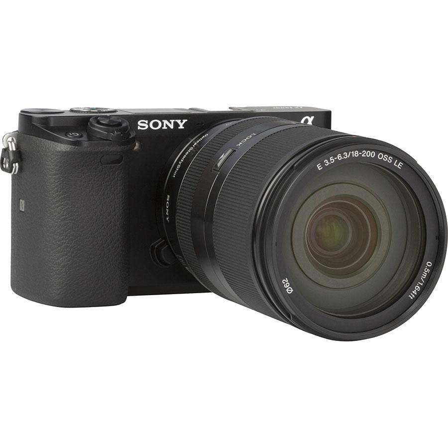 Sony ILCE-6000 + 18-200 mm SEL18200 - Vue de l'objectif