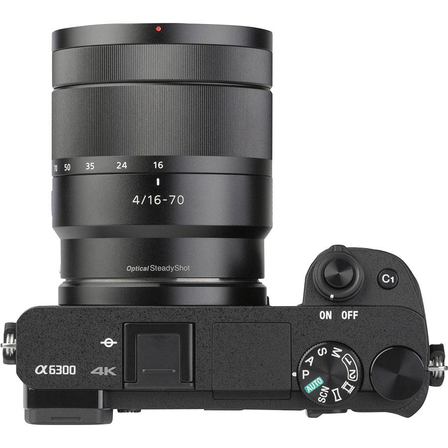 Sony ILCE-6300 + E 16-70 mm ZA OSS SEL1670Z - Vue du dessus