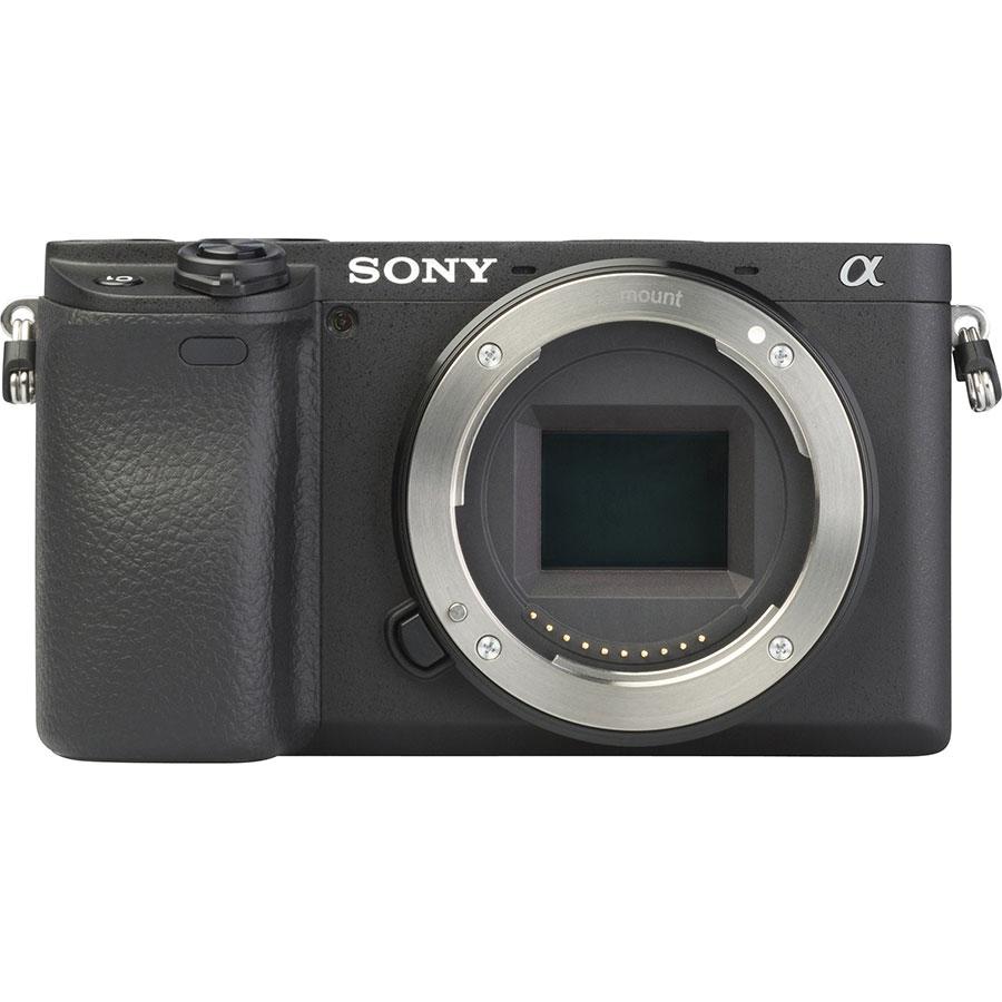 Sony ILCE-6400 + E 16-50 mm PZ OSS SELP1650  - Vue de face sans objectif
