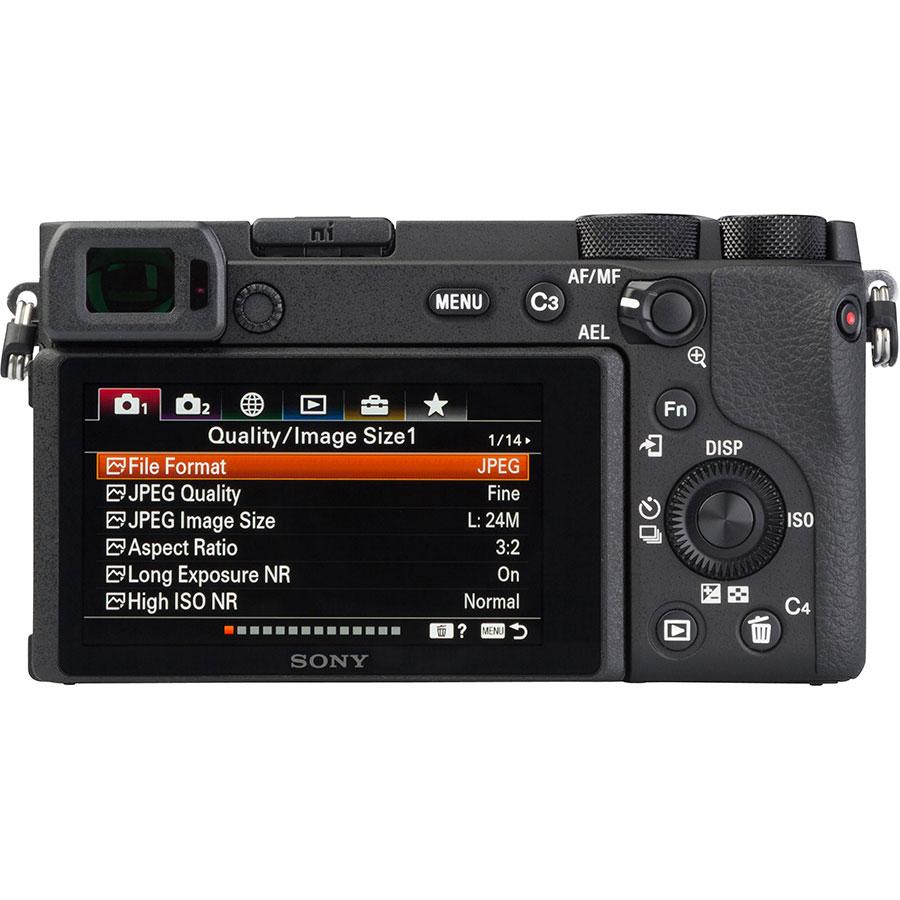 Sony ILCE-6600 + E 18-135 mm OSS SEL18135 - Vue de dos