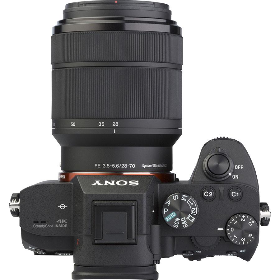 Sony ILCE-7M3 + 28-70 mm OSS SEL2870 - Vue du dessus