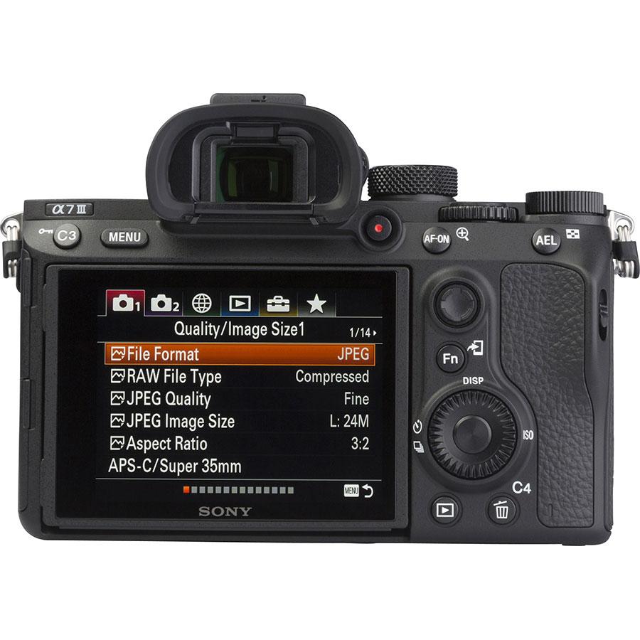 Sony ILCE-7M3 + 28-70 mm OSS SEL2870 - Vue de dos