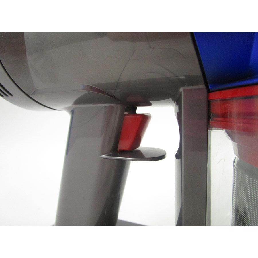 Dyson V7 Motorhead Origin(*13*) - Bouton de commande