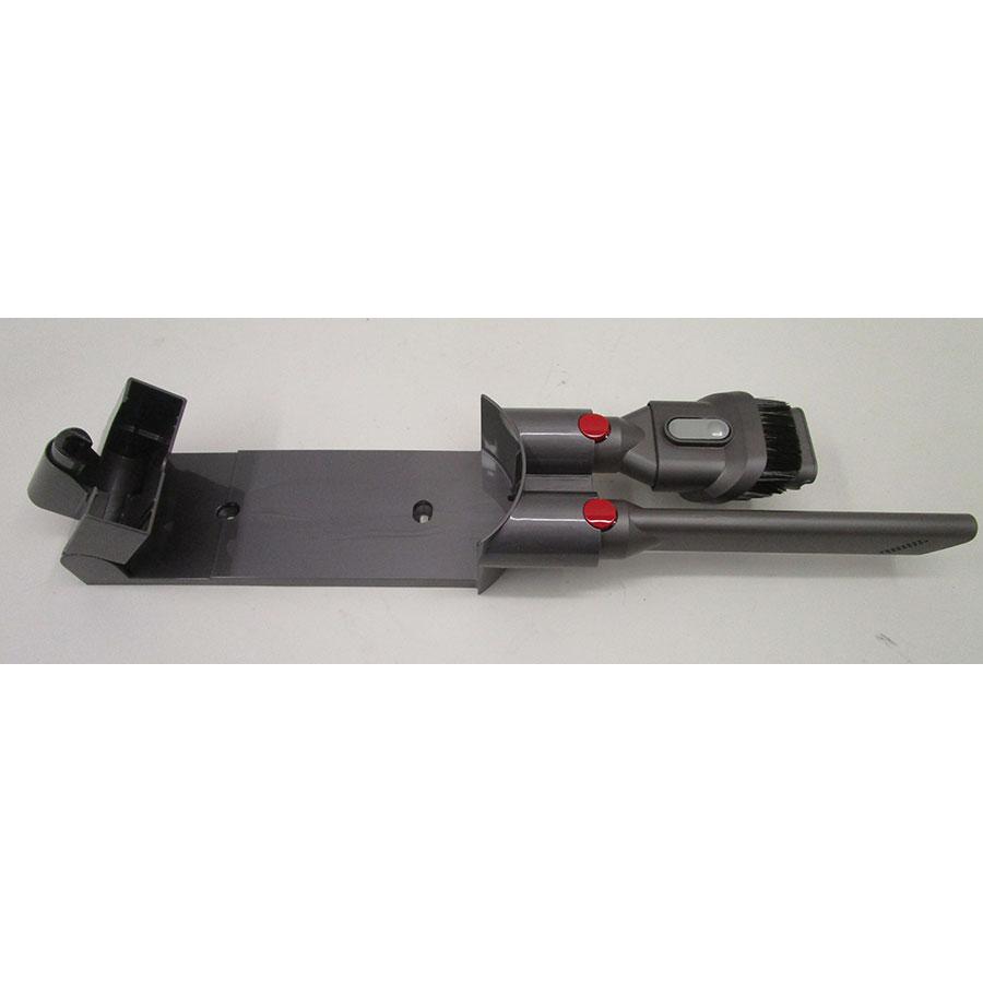 Dyson V8 Motorhead + kit Tool - Rangement des accessoires