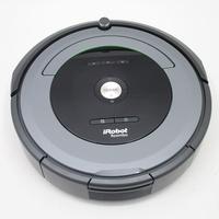 iRobot Roomba 681 - Vue de face