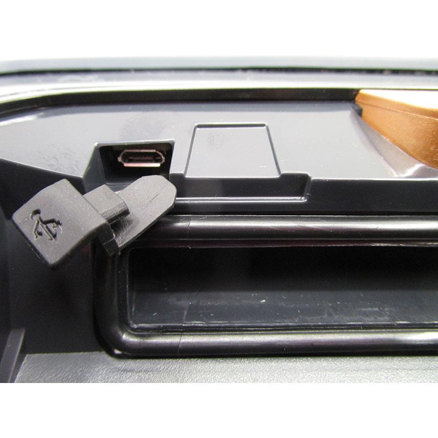 Electrolux Pure i9.2 PI92-4STN - Port USB