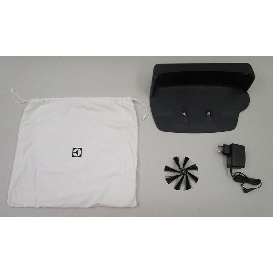 Electrolux Pure i9 PI91-5SGM - Station de charge et accessoires fournis