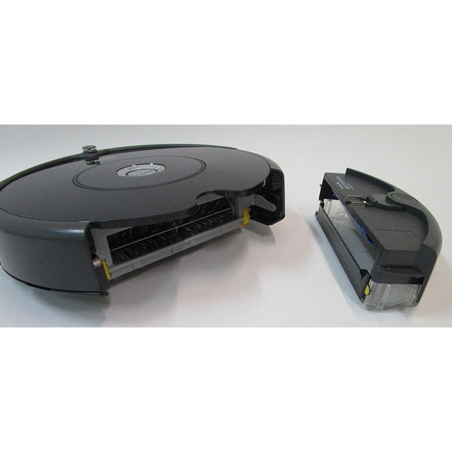 iRobot Roomba 606  - Réservoir à poussière sorti