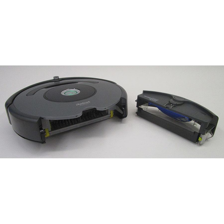 iRobot Roomba 676 - Réservoir à poussière sorti