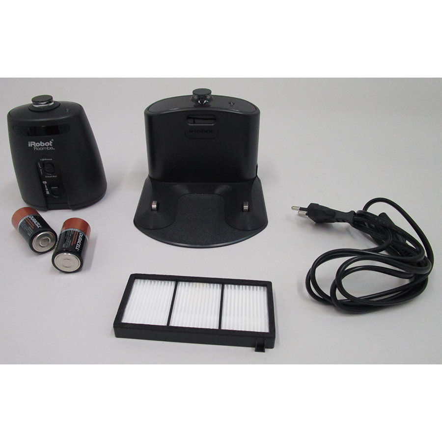 iRobot Roomba 886 - Accessoires fournis de série