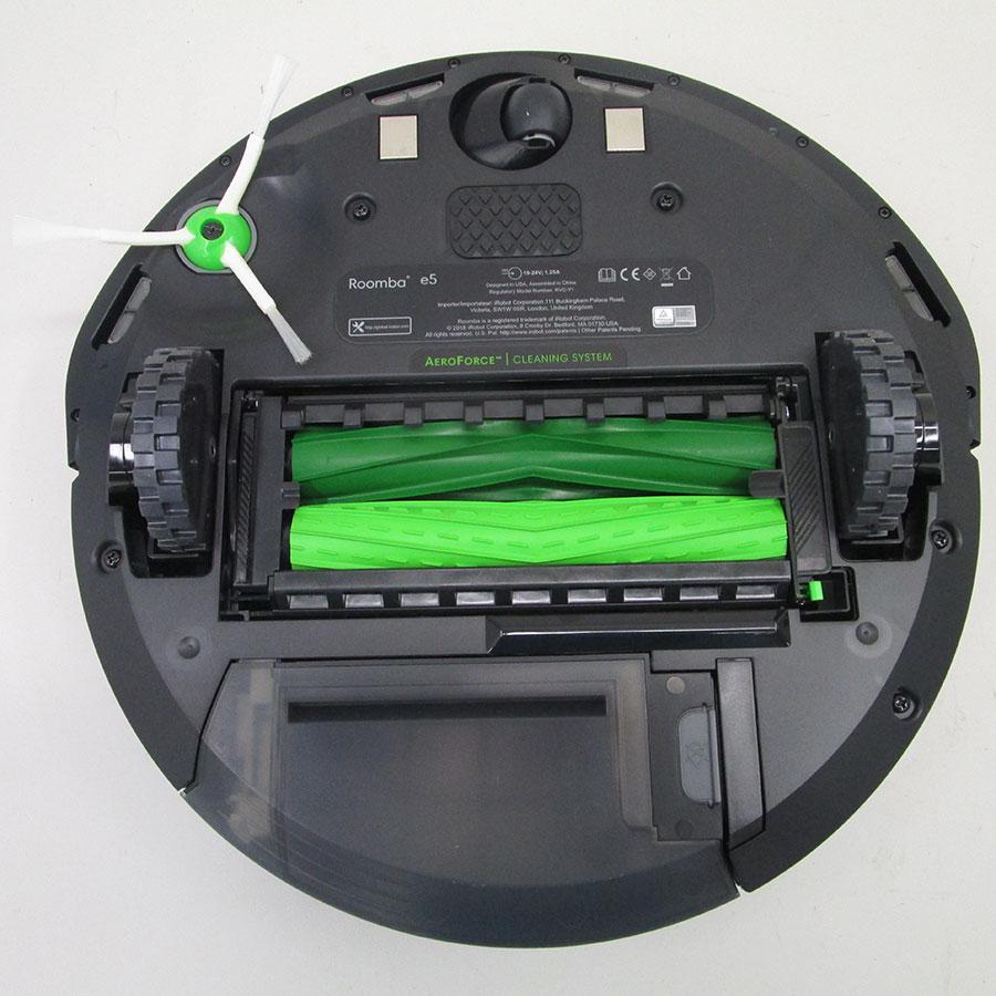 iRobot Roomba e5158 - Vue de dessous