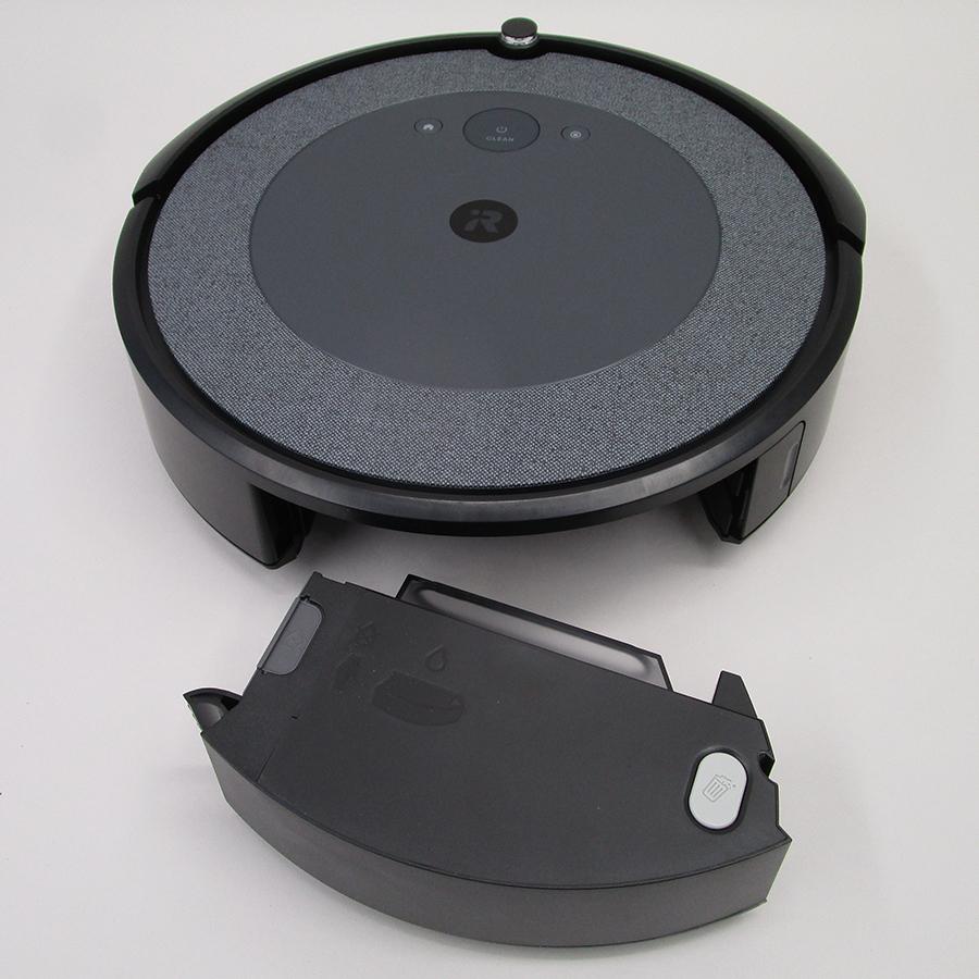 iRobot Roomba i3+ i3558 - Réservoir à poussière sous l'appareil