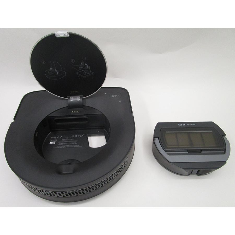 iRobot Roomba s9+ - Réservoir à poussière sorti