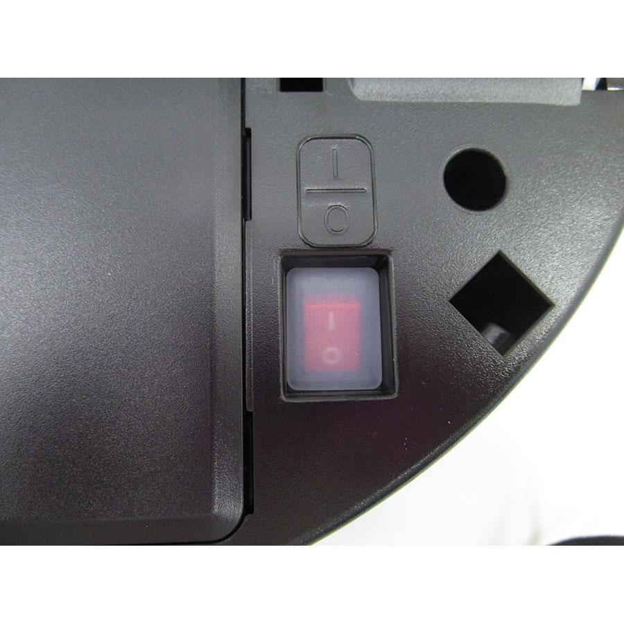 Samsung PowerBot SR2FM7070WD(*9*) - Interrupteur marche/arrêt