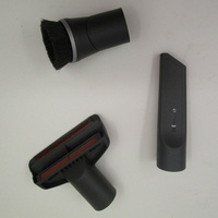 Miele Complete C3 Silence SGSK3 - 3 accessoires livrés avec l'appareil : brosse à meubles, brosse textile et suceur