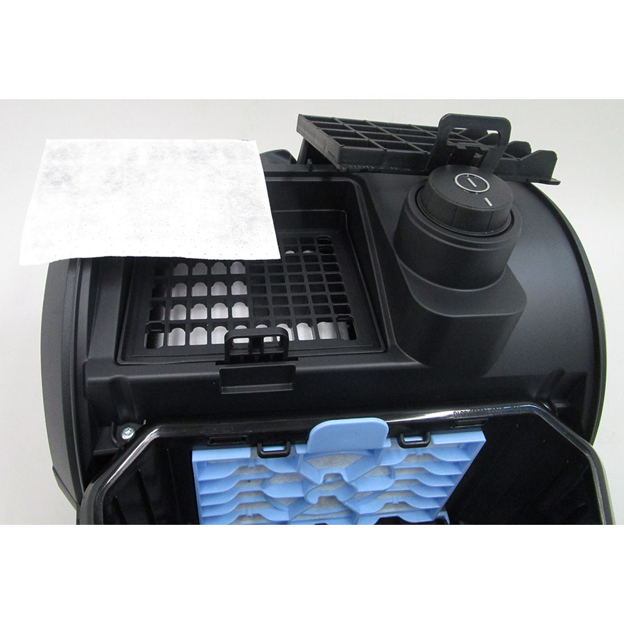 Bosch BGN2B112 GL20 Bag & bagless - Filtre sortie moteur sorti
