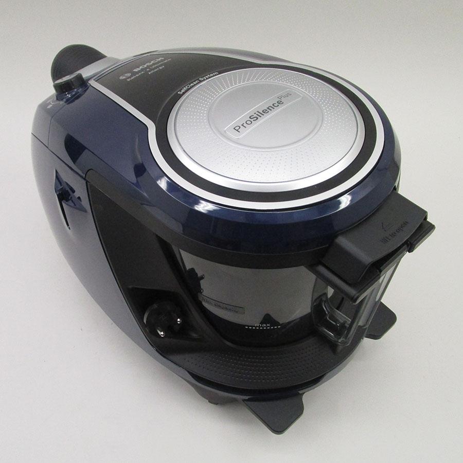 Bosch BGS7ALL68 GS70 Relaxx'x Ultimate - Fixe tube arrière et sortie de câble