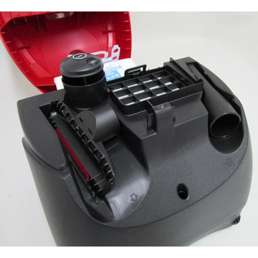 Bosch BSG6C110 logo - Compartiment de rangement des accessoires