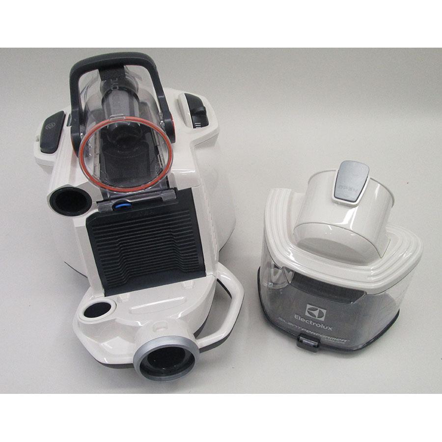 Electrolux ESPC74SW SilentPerformer Cyclonic - Bac à poussières sorti
