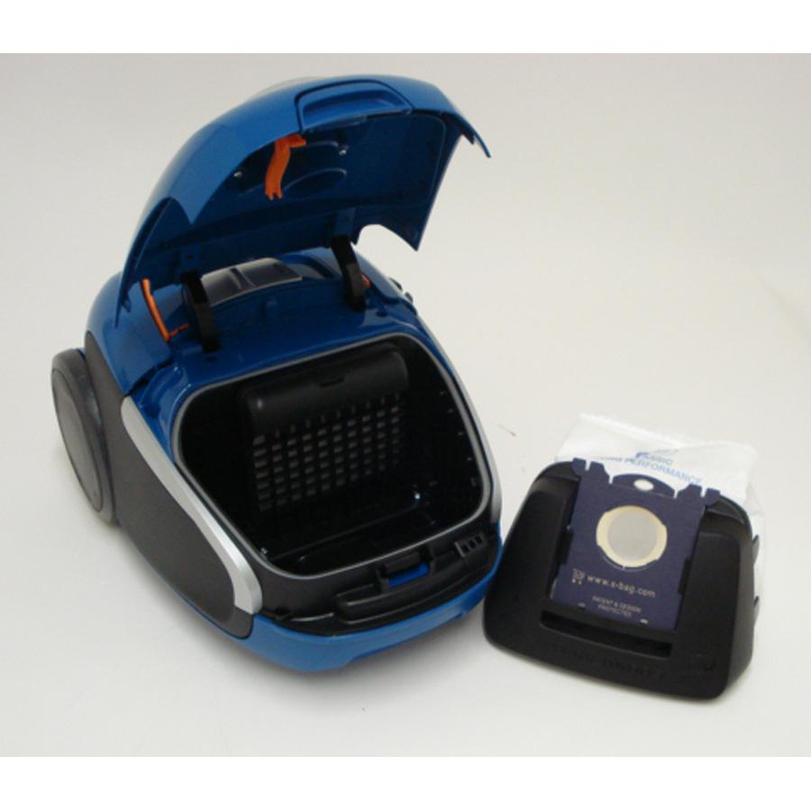 Electrolux Zusenergy Ultra Silencer - Sac à poussières sur son support