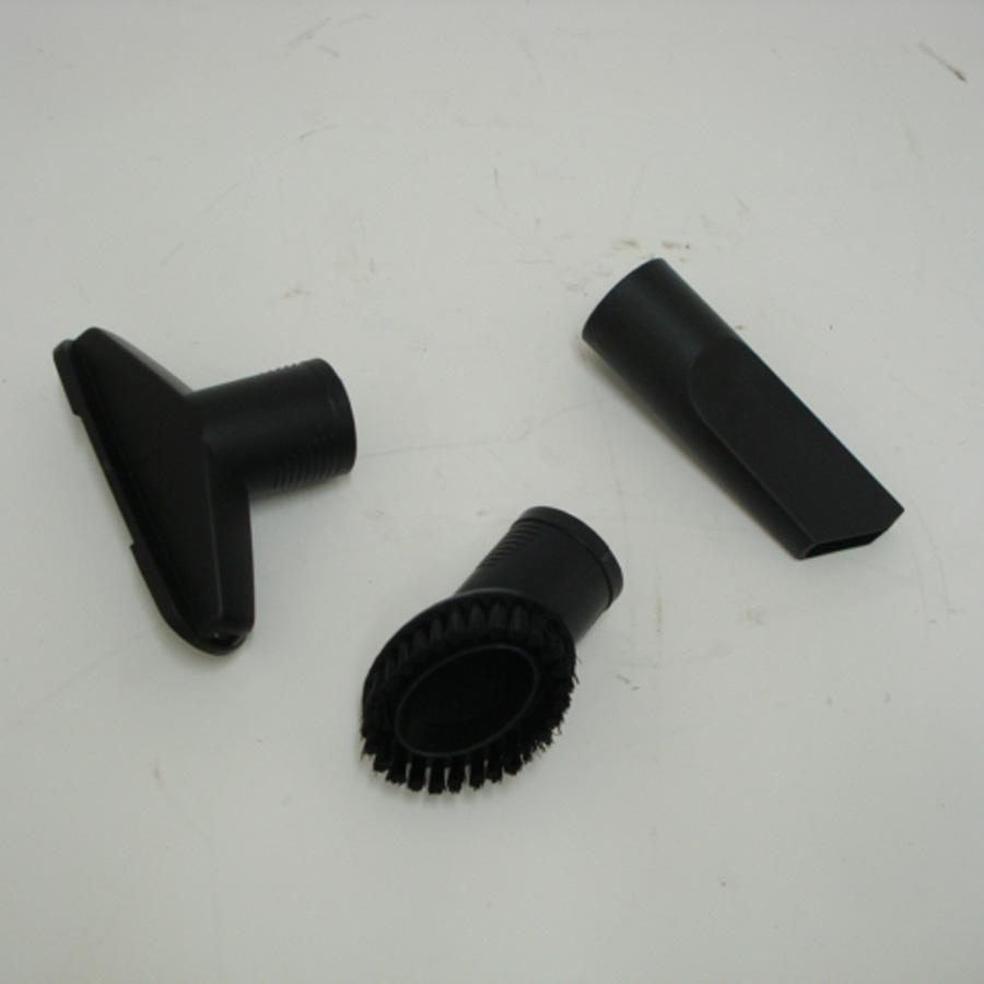 Listo (Boulanger) AS14 L2 - 3 accessoires livrés avec l'appareil : brosse à meubles, brosse textile et suceur